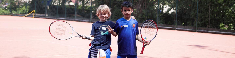 2 jongens op tenniskamp sloterplas Amsterdam