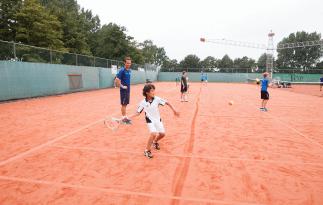 Jongens tijdens zomerkamp Osdorp Amsterdam